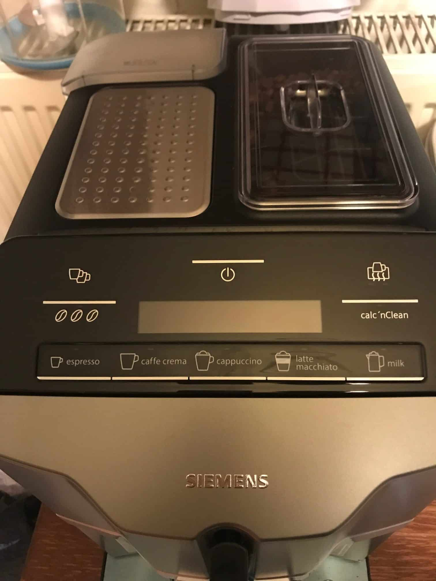 Siemens EQ3 Bean-to-cup automatic Coffee Machine, black Front View (s300 Model)
